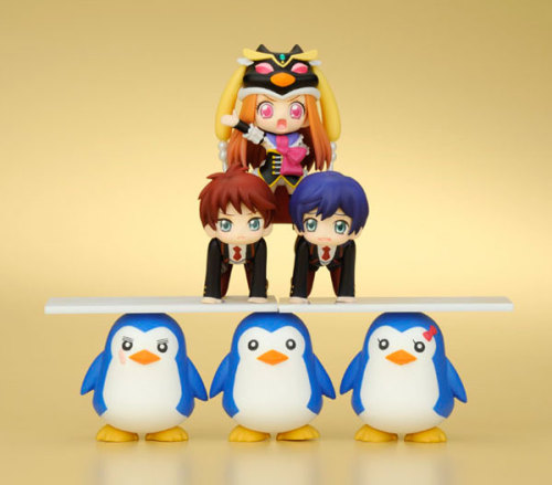 O-OMG! I couldn't be without ordering this!! There is Shouma and Kanba!! ; u ; In the box there is total 13 pieces.  Princess of the crystal, Kanba, Shouma,  Penguin 1go x 3 types, Penguin 2go x 3 types, Penguin 3go x 3 types, and one randomly inserted (Esmeralda is rear character) If you wanna see more picutes go for example here! There is so many fun ways to pile up the characters and all! I can't wait to get them! Too bad the release month is October >.<