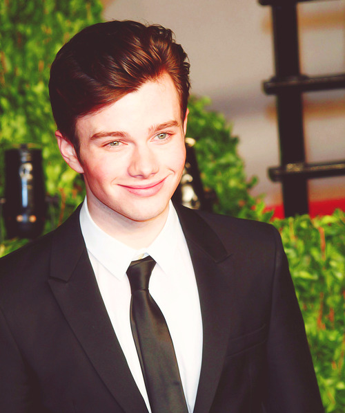 4/100 photos of chris colfer