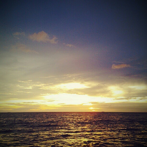 #sunset #westsumatera #indonesia #nature #instadaily #beach  (Taken with instagram)