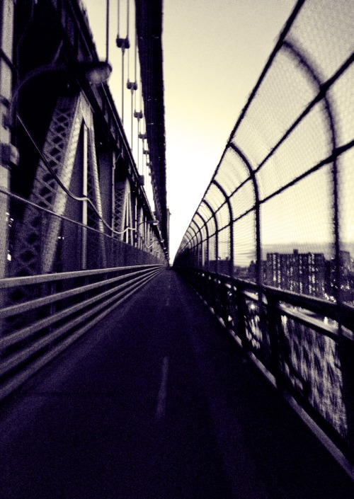 Clean lines on the Manhattan Bridge.