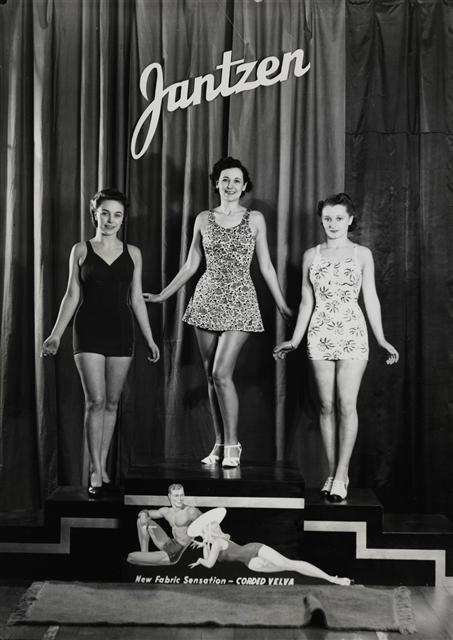 hollyhocksandtulips:  Jantzen swimwear models, 1930s