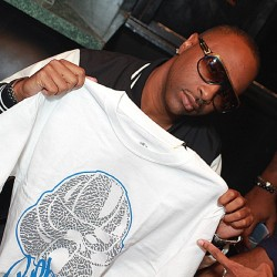 Slim from 112 supporting the #international #rebelclub #swag #dope #brand #rebel #streetwear #112 #slim #clothing #tee #shirt #fashion  (Taken with instagram)
