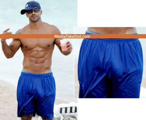 nuts-butts-bulges:  Looks like Shemar Moore has hugely thick dick.  (via imgTumble)