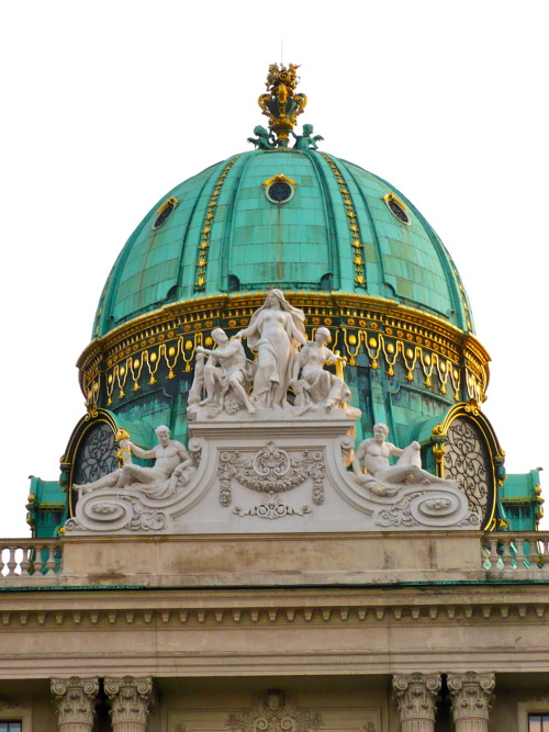 illusionwanderer:  Dome in Vienna by illusionwanderer