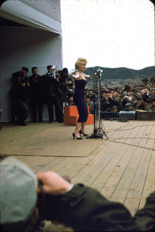Marilyn Monroe on stage The beautiful Marilyn Monroe on stage during her 1954 tour of Korea. Something which always amazes me about Marilyn Monroe is that no matter how long ago these photos were taken, she looks like she could be in a fashion magazine right now. The photo's were posted on Flickr by the US Marine Corps Archive and are part of the Robert H. McKinley collection.