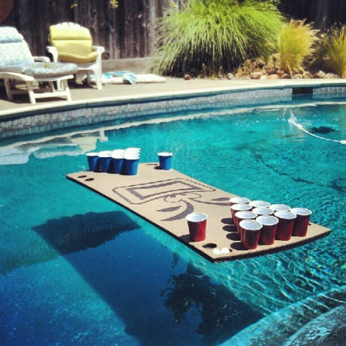 #beerpong #pool #floatingbeerpongtable #poolside  (Taken with instagram)