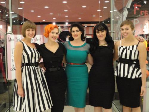 misskaylakitty:  Doris Mayday and a few other beautiful gals at the Bettie Page Store in the Mall of America.