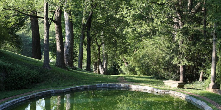 Lovers Lane Pool at Dumbarton Oaks garden in Washington D.C. Designed in the early part of the 20th century by Beatrix Ferrand, the first woman landscape architect in the U.S. To read more about the details of this space, click here:http://www.doaks.org/gardens/virtual-tour/informal-gardens/ggr-virtual-tour-26.