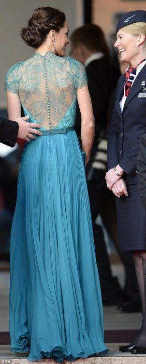 phe-nomenal:  Kate Middleton in Jenny Packham
