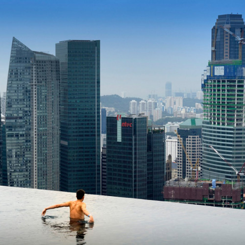 Infinity Pool at Marina Bay Sands Hotel Singapore.