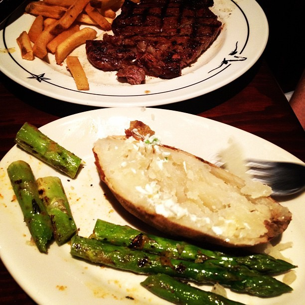 Moooaaarrrr steeaaak (Taken with Instagram at Saltgrass Steak House)