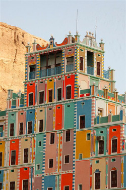 Fuck Yeah, Colorful Building. (Khaila, Yemen) via Eric Lafforgue Flickr