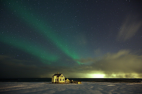 archenland:  Northern lights in Iceland (by olgeir)