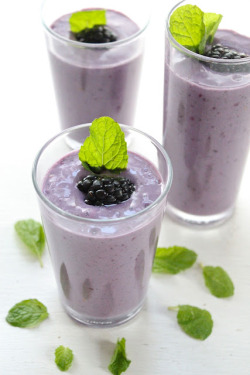 beautifulpicturesofhealthyfood:  Blackberry, Banana and Mint Smoothie…RECIPE