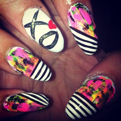 #ovo #xo #nailswag #nailart #nails #deeznails #theweeknd  (Taken with instagram)