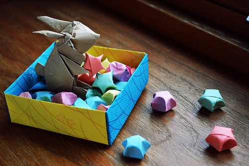 ko-i:  My origami rabbit holding a lucky star. ^^