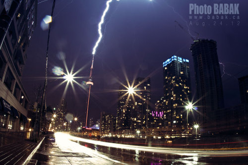 Lighting storm  - Toronto 2012 - Photo BABAK  www.babak.ca