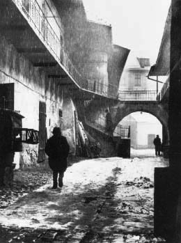 legrandcirque:  Roman Vishniac, Entrance to the Ghetto, Krakow, Poland, 1937. Source: International Center of Photography