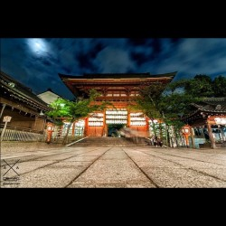 Shimogamo Shrine in Kyoto. Long exposure using gorillapod slr zoom and Nikon D300s + Tokina 11-16 F2.8 #japan #kyoto #shrine #shinogamo #night #moon #dslr #sky #clouds #japanese #temple (Taken with instagram)
