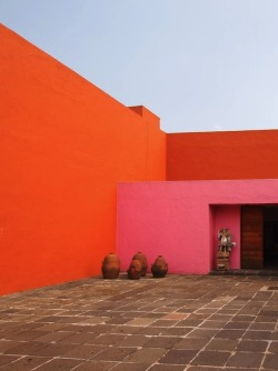 1972projects:  1950: The entrance courtyard of Luis Barragán's Casa Prieto López in El Pedregal, Mexico City   http://www.1972projects.blogspot.com