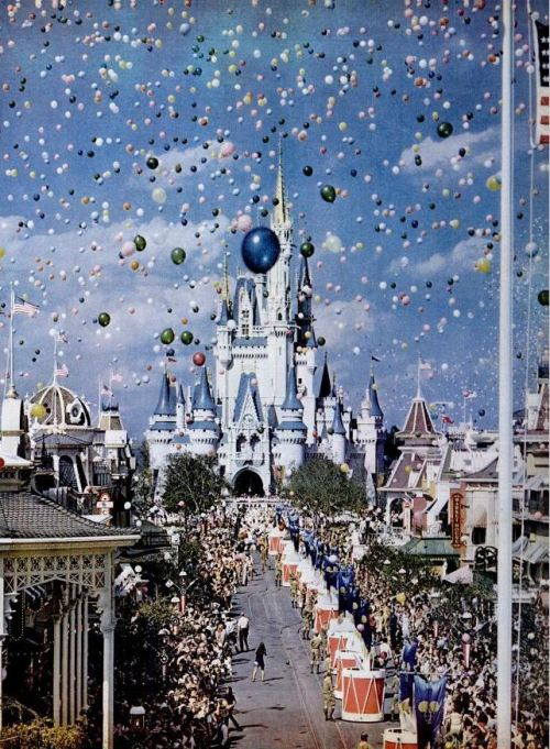 hookedonyourph0nics:  fancysomedisneymagic:  Opening day at Walt Disney World, Florida. Life Magazine, December 1971.  :')