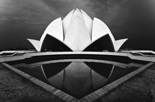 The Lotus Temple - Tomasz Wagner.