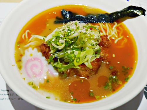 authentic  ラーメン in the city ⊂( ̄(工) ̄)⊃