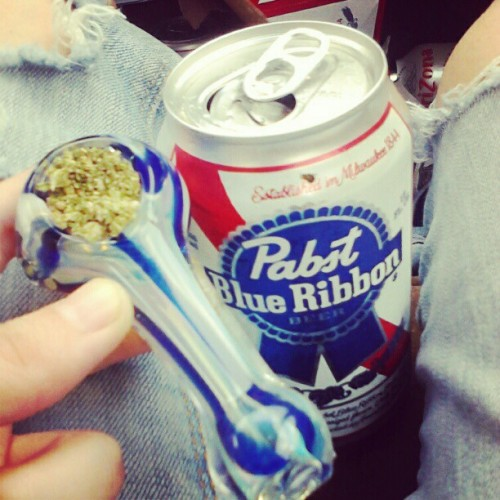 #pipe #bowl #stoner #pbr #baking (Taken with instagram)