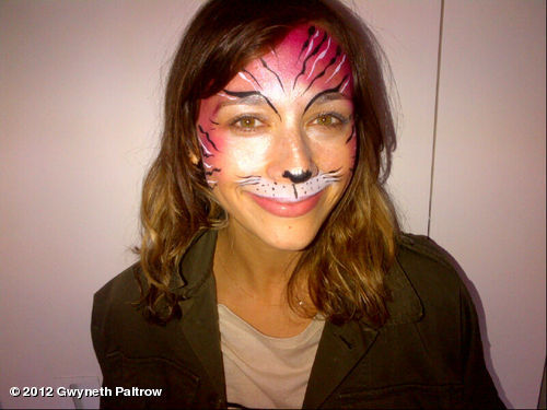 This bitch is hot on my tail for rum tum tugger @iamrashidajones #catsthemovieView more Gwyneth Paltrow on WhoSay