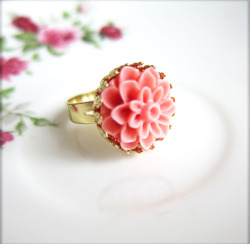 Cupcake Floral Ring - JEWELSALEM