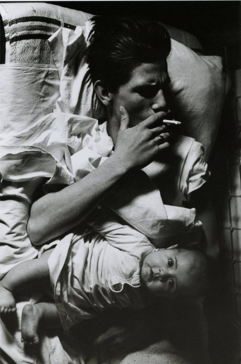 THIS IS MY FAVORITE PHOTOGRAPH FROM LARRY CLARK'S BOOK TULSA…  bbblackpanther:  Larry Clark