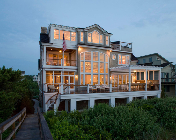 micasaessucasa:   Beach home in Bethany Beach, Delaware built by Dewson Construction Company