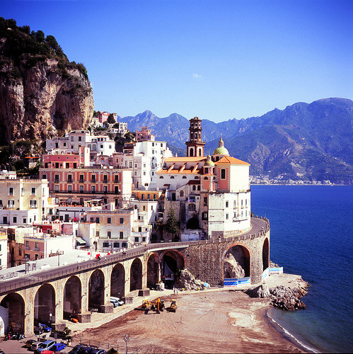Imagine waking up to this… travelingcolors:  Amalfi | Italy (by Mapolulu | via -cityoflove)