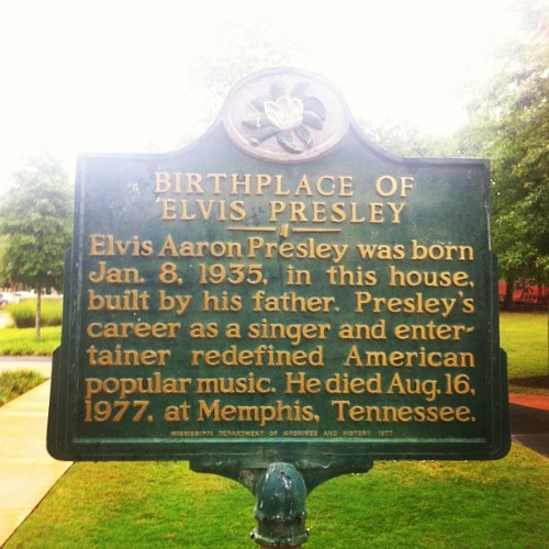Random. (Taken with Instagram at Elvis Presley's Birth Place and Museum)