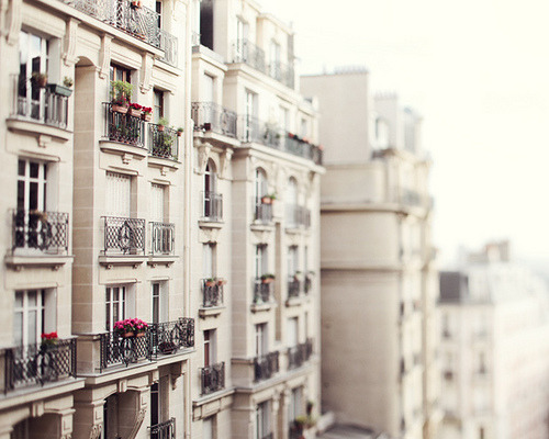 definitelydope:  Les Balcons (by IrenaS)