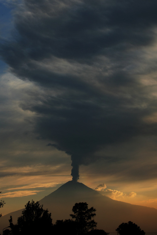 unknownskywalker:   Smoke sunset by Cristobal Garciaferro Rubio