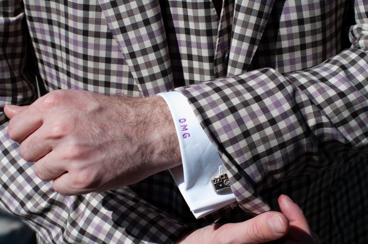 liamsawthis:  David Hart has the best cuffs.