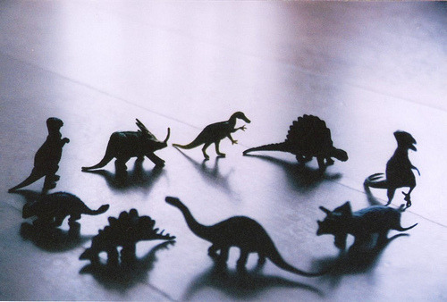 gildings:  it's those dinos again… (by ~green tea ice cream~)