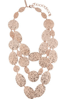 What would Arianne wear?A layered Oscar de la Renta necklace