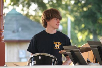 photo of me playing in another jazz band performance. oh how i love it! haha