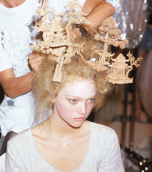 Gemma Ward backstage at Alexander McQueen Spring 2005
