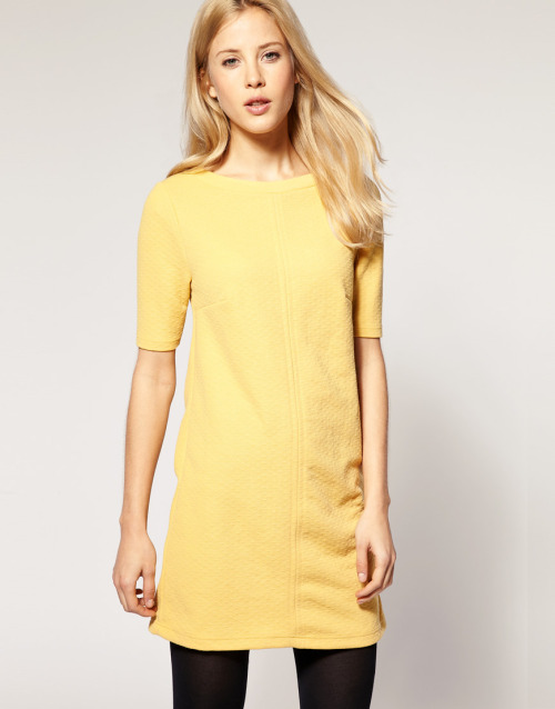 River Island Textured 3/4 Sleeve Shift DressMore photos & another fashion brands: bit.ly/JgY9Bx