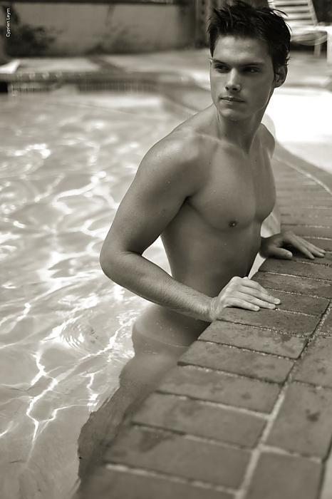 bonermakers:  If only I had my own pool to invite boys over to…..