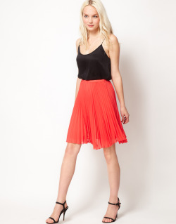 Mango Pleat SkirtMore photos & another fashion brands: bit.ly/JgOCdV