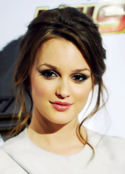 If Leighton Meester were younger, I'd actually vote her as a Piper McLean dream cast. Maybe that would make Piper McLean actually more likable!