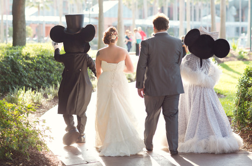 m-a-r-i-e-l-l-e-b-p:  I want a Disney themed wedding!