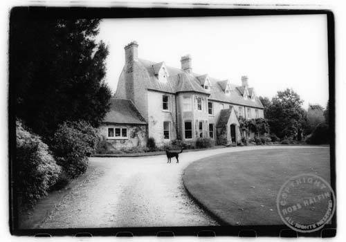 adamthenorman:  A black dog at Headley Grange, where Led Zeppelin recorded some of their best albums!