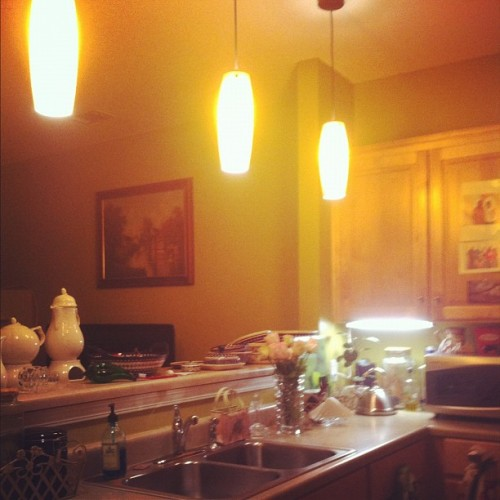 Day 131: Newish Kitchen #mayphotoaday #photoaday #365 #day131 #2012 #kitchen (Taken with instagram)