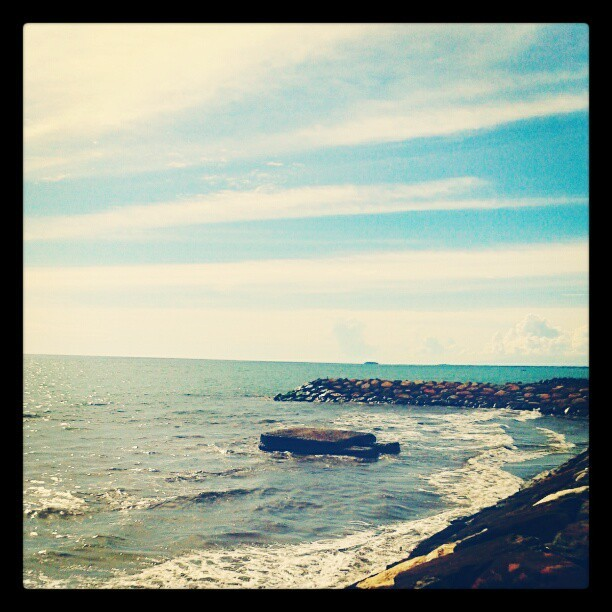 Deep blue sea #beach #sky #westsumatera #indonesia #nature  (Taken with instagram)