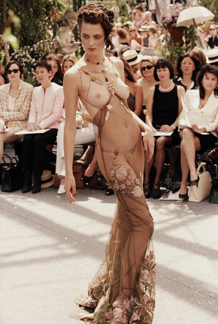 Shalom Harlow for Christian Dior Haute Couture Autumn/Winter 1997 by John Galliano